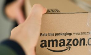 Amazon.com, Inc. (NASDAQ:AMZN) Increases Hourly Pay By $2 In The US; Amazon To Recruit 100,000 Workers To Cope Up With Surging Orders During Coronavirus Outbreak
