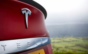 Tesla Inc (NASDAQ:TSLA) Urges Owners To Help Push For Allowing Charging Payment By kWh