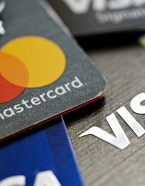 Visa Inc (NYSE:V) Vs. Mastercard Inc (NYSE:MA) Continue To Dominate The Card Payment Industry