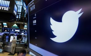 Twitter Inc (NYSE:TWTR) Speaks Out On Facebook, Inc (NASDAQ:FB) Hacked Accounts
