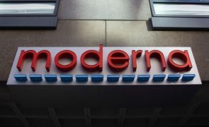 Moderna Inc (NASDAQ:MRNA) Triggers Hype In Wall Street After Coronavirus Vaccine Announcement But Critics Cry Faul